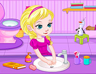 Baby Elsa's Potty Train