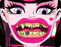 Draculaura Bad Teeth
