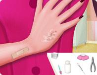 Draculaura Hand Doctor